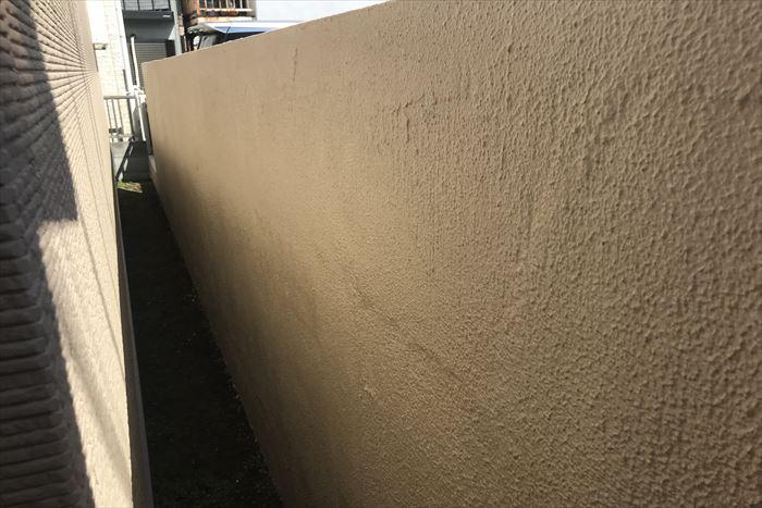 塀の裏側も塗装完了