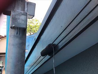 破風板の塗装上塗り工程
