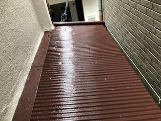 トタン屋根の塗装仕上げ