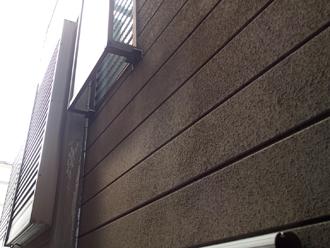 江東区 外壁塗装前は汚れが目立っている