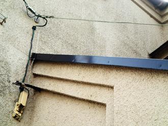 塗膜劣化によるモルタル外壁汚れ