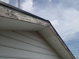 破風板の塗膜が劣化