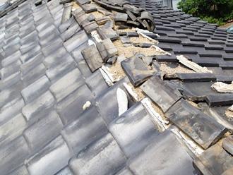 台風の被害にあった大棟