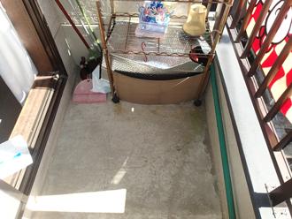 ウレタン防水(通気緩衝工法)を行う前のベランダ