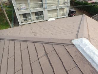 棟板金交換工事・屋根塗装を行う前のスレート
