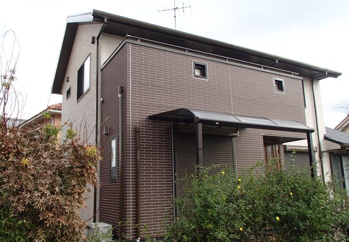 屋根・外壁塗装が竣工した住宅