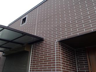 パーフェクトトップ H15-30Dで塗装したレンガ調の外壁