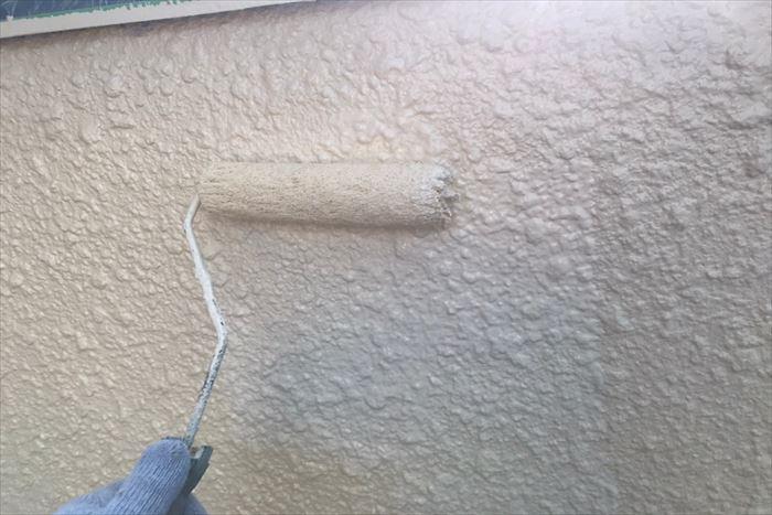 上塗りで艶も増していきます