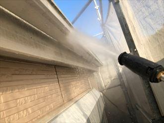 雨樋、破風板も洗浄します