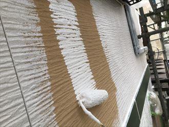 パーフェクトサーフで窯業系サイディングの下塗り
