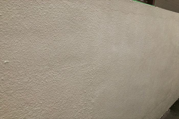 塀塗装の上塗りの完了