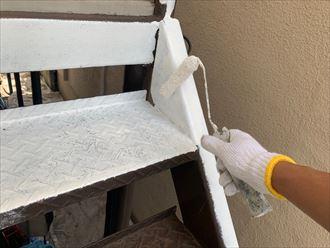 鉄階段下塗り