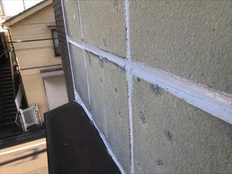 出窓周りにシーリング