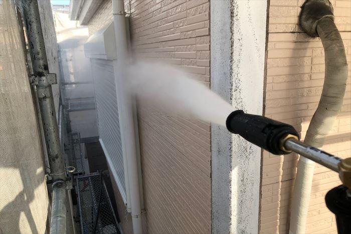 外壁塗装工事前の高圧洗浄