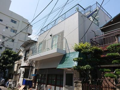 外壁塗装後の3階建てのお家
