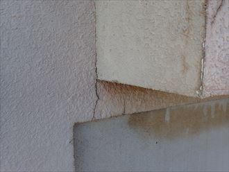 葛飾区金町で行ったモルタル外壁調査でひび割れを発見