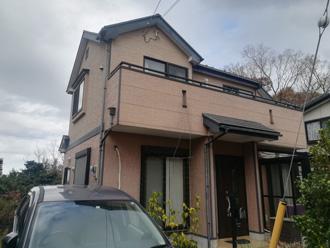 塗り替え前の戸建て住宅