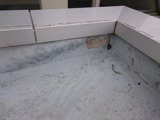 ウレタン防水が裂けたコーナー部