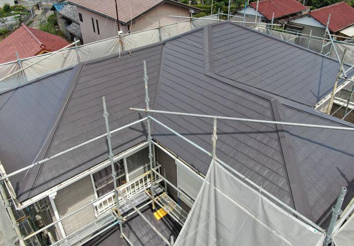 サーモアイSiのクールディープグレーで塗装したスレート屋根