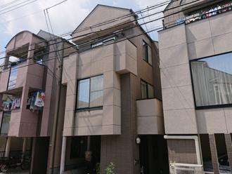 目黒区で棟板金交換工事と屋根・外壁塗装を行った3階建て邸宅 工事前