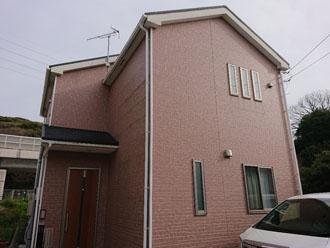 外壁塗装前の邸宅