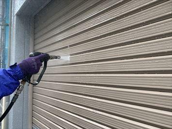 車庫シャッター洗浄