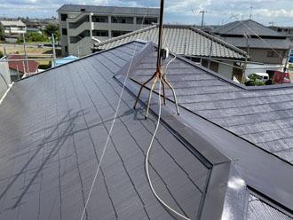 サーモアイSiクールディープグレーで塗装したスレート屋根