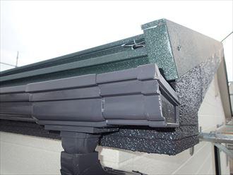屋根・樋・破風のコントラスト