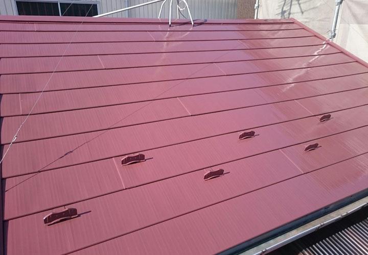 金属屋根の塗装が竣工