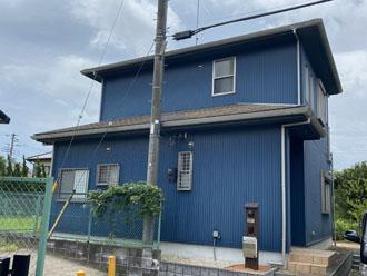 屋根カバー工法と外壁塗装を検討している邸宅