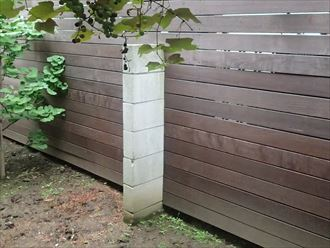 擁壁の控え壁塗装完了