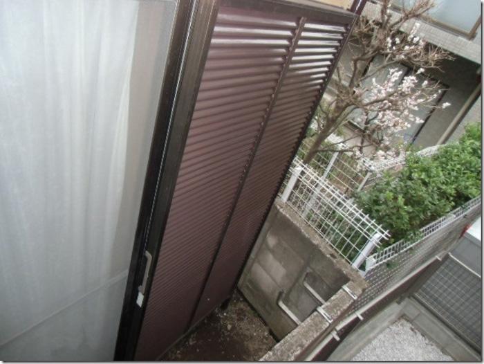 江戸川区で外壁塗装 雨戸の塗装完了