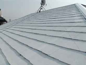 江戸川区 屋根塗装 サーモアイシーラーで下塗り