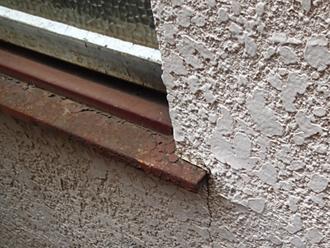 玉吹きヘッドカット仕上げのモルタル外壁