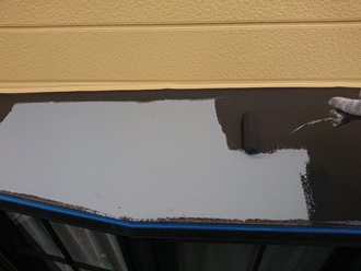 錆止め塗布後、2回塗りで仕上げます