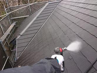 屋根にサービスで高圧洗浄