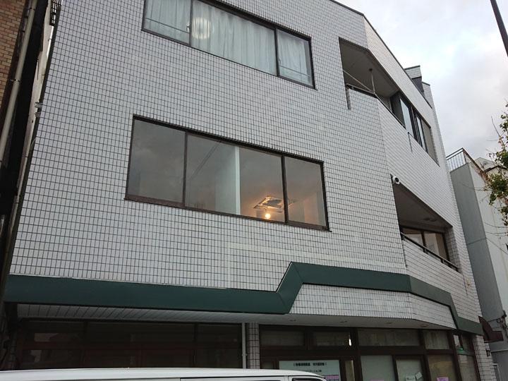 3階建てビルの外壁塗装・タイル洗浄、完成